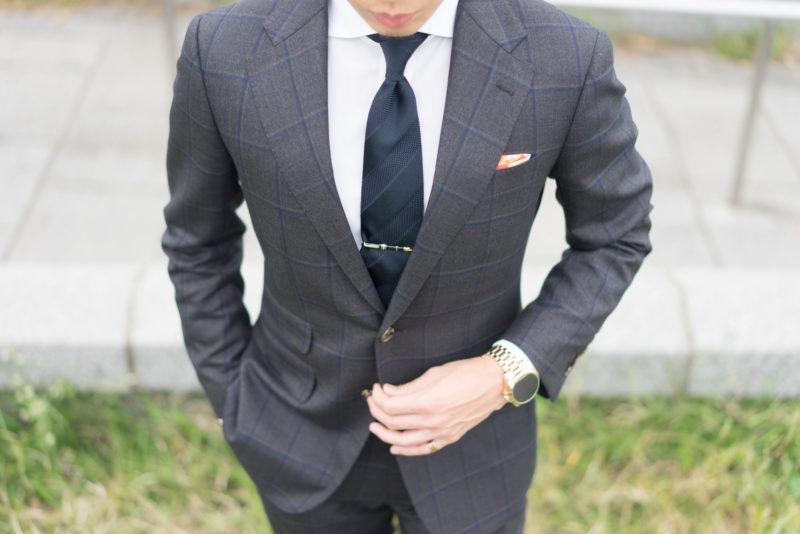 派手な色や柄は避けた方が無難?就活向けのネクタイとリクルートスーツの選び方